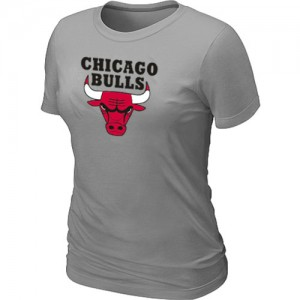 NBA T-Shirt Basket Chicago Bulls Bleu clair Femme Big & Tall Primary Logo