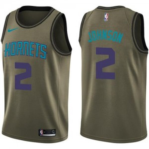 Nike NBA Maillots De Larry Johnson Hornets Homme Salute to Service vert No.2