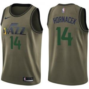 Nike Maillot De Basket Jeff Hornacek Utah Jazz vert #14 Homme Salute to Service